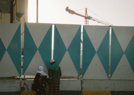 14.Jama'ah umroh asal Indonesia yang penasaran dengan proyek yang sedang di bangun